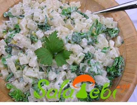 brokolis da kartfili salata